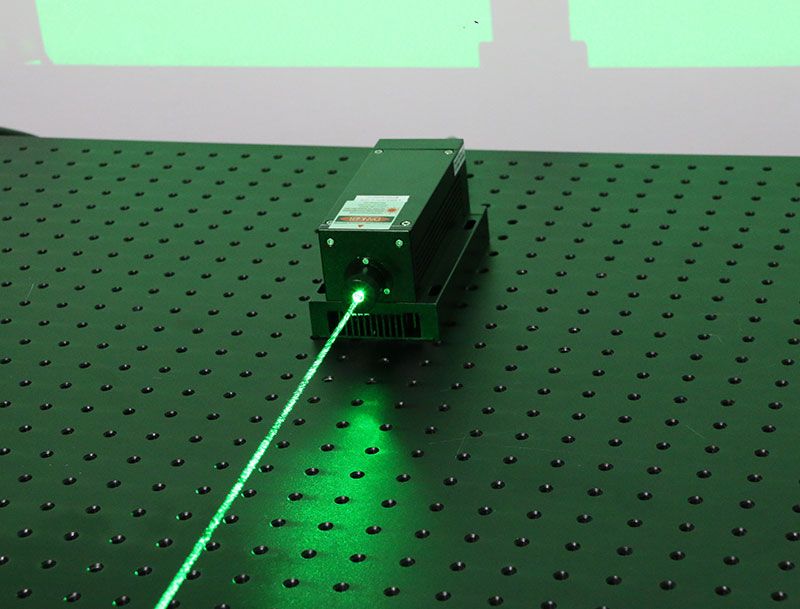 532nm 800mW Green Laser Beam Diode Pumped Solid State Laser
