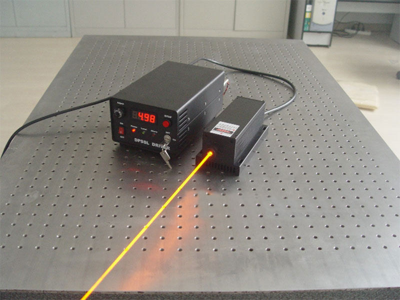 589nm 1000mW Yellow dpss laser High quality CW Laser with Modulation