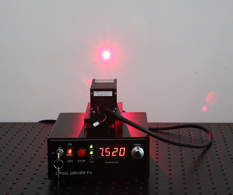 671nm 500mW~900mW Red DPSS Laser Diode Pumped Solid State laser
