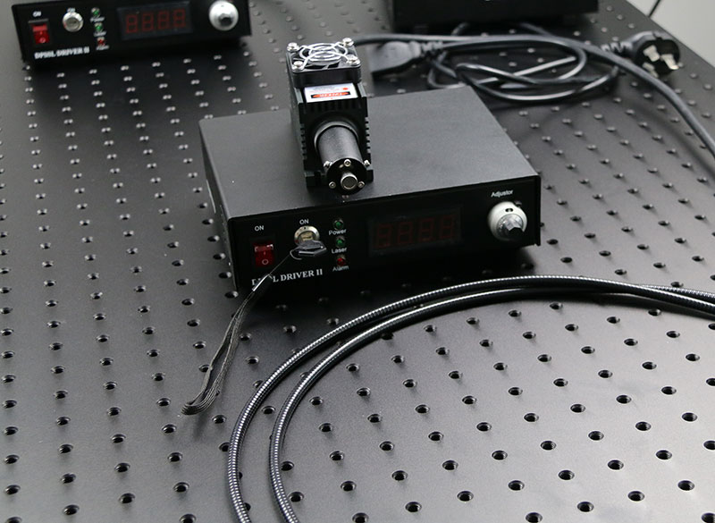 1064nm 2000mw~4000mw IR DPSS Fiber coupled laser with power supply