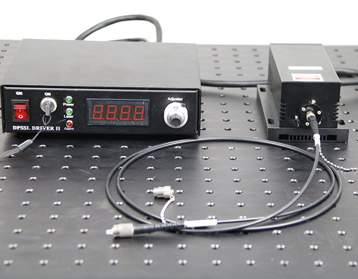 825nm 1~2W IR Fiber coupled laser with adjustable power supply